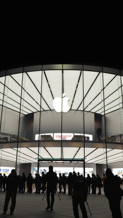 papers.co-aq18-photo-apple-store-event-city-architecture-33-iphone6-wallpaper