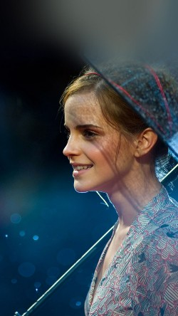 papers.co-ha55-wallpaper-emma-watson-in-rain-girl-film-face-33-iphone6-wallpaper