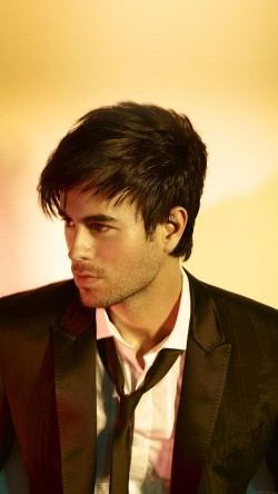 papers.co-ha56-wallpaper-enrique-iglesias-yellows-music-face-33-iphone6-wallpaper