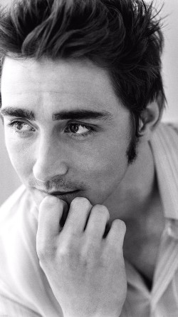 papers.co-hb66-lee-pace-headshot-actor-33-iphone6-wallpaper