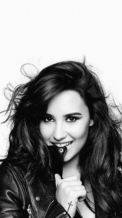 papers.co-hb68-demi-lovato-in-bw-33-iphone6-wallpaper