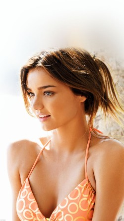 papers.co-hc20-miranda-kerr-bikini-sunny-day-model-33-iphone6-wallpaper