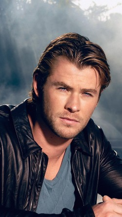 papers.co-hd24-chris-hemsworth-handsome-boy-actor-33-iphone6-wallpaper