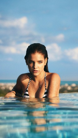 papers.co-hd36-barbara-palvin-swiming-sexy-model-celebirty-33-iphone6-wallpaper