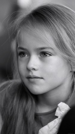 papers.co-hd74-kristina-pimenova-cute-girl-model-bw-dark-33-iphone6-wallpaper