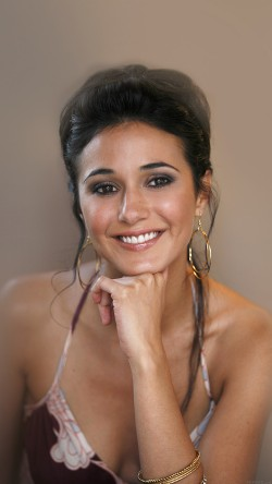 papers.co-he73-sexy-emmanuelle-chriqui-sexy-film-actress-33-iphone6-wallpaper