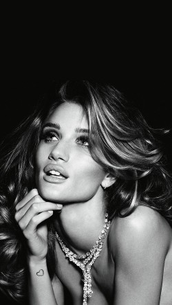 papers.co-hf66-rosie-huntington-whiteley-dark-bw-sexy-model-victoria-33-iphone6-wallpaper