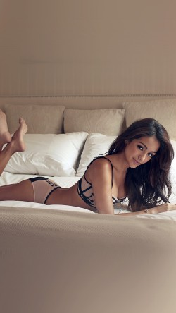papers.co-hf76-melanie-iglesias-sexy-model-bed-33-iphone6-wallpaper