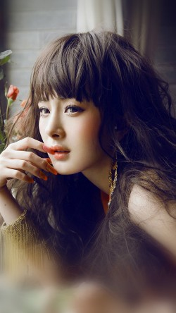 papers.co-hf83-yang-mi-actress-singer-beauty-sexy-33-iphone6-wallpaper