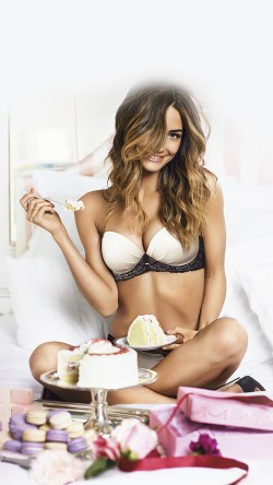 papers.co-hf89-victoria-secret-girl-sexy-food-bed-33-iphone6-wallpaper