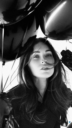 papers.co-hh04-megan-fox-dark-bw-balloon-33-iphone6-wallpaper
