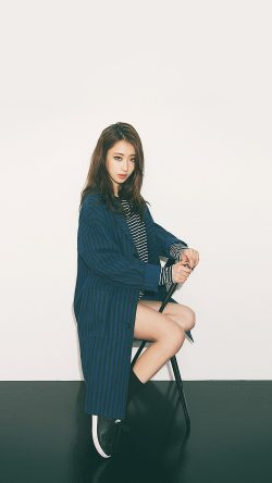 papers.co-hj33-kyungli-kpop-chair-sit-pose-girl-33-iphone6-wallpaper