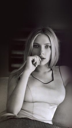 papers.co-hk55-scarlett-johansson-actor-bw-celebrity-33-iphone6-wallpaper