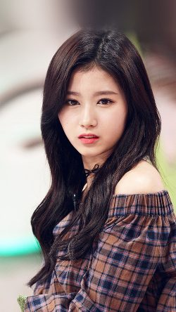 papers.co-hl09-sana-kpop-cute-girl-celebrity-33-iphone6-wallpaper