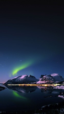 papers.co-mc73-wallpaper-aurora-filled-night-sky-star-33-iphone6-wallpaper