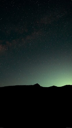 papers.co-mg93-night-sky-green-wide-mountain-star-shining-nature-33-iphone6-wallpaper