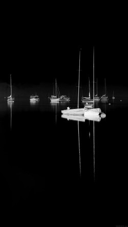 papers.co-mk77-sea-port-boats-bw-dark-nature-minimal-33-iphone6-wallpaper
