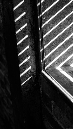 papers.co-mm45-dark-shadow-corner-window-black-bw-interior-33-iphone6-wallpaper