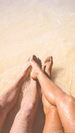 papers.co-ms49-beach-couple-sea-sand-nature-art-33-iphone6-wallpaper