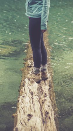 papers.co-nf58-girlfriend-lake-green-nature-water-cold-33-iphone6-wallpaper
