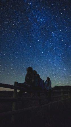 papers.co-ni32-night-watch-star-gazing-girl-summer-romantic-33-iphone6-wallpaper