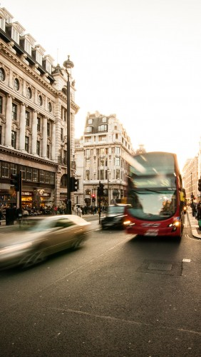 mu59-london-city-street-people-winter