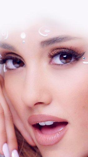 hm14-ariana-grande-girl-singer